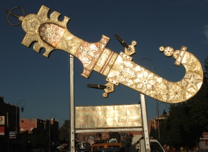 A 10 foot dagger commissioned by the local government, made by the cooperative this past year, a welcome sign as you enter the city of Kelaat M'Gouna (the city of Roses and Daggers)!